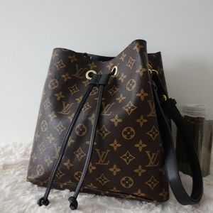 Louis Vuitton 11 x 11 x 8 black